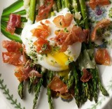 GRILLED ASPARAGUS WITH A BACON VINAIGRETTE