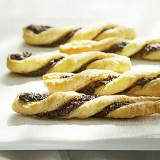 PISTACHIO, BLUE CHEESE & FIG PUFF PASTRY TWISTS